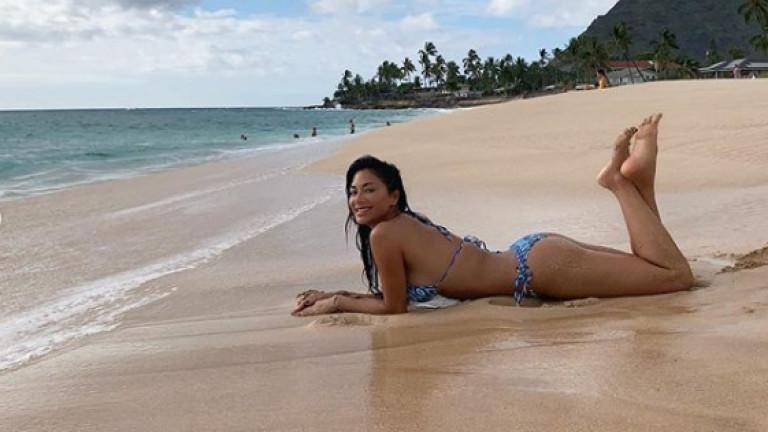 Никол Шерцингер отново е секси на Хаваи
