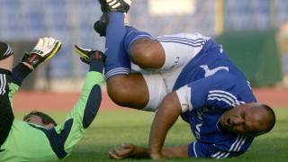 Спешно оперираха коляното на Борисов