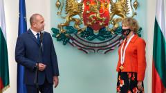 Радев даде орден на нидерландския посланик, намекна за Шенген