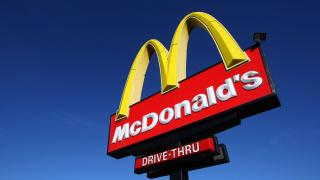 McDonald's съди бившия си директор за $40 милиона
