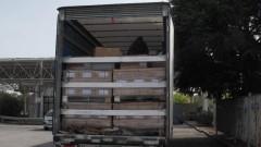 Заловиха шестима нелегални мигранти, укрити в камион