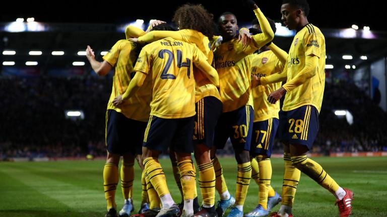 Арсенал ще направи опит да привлече ветеран на Юнайтед