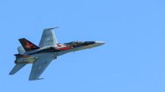 Излезе видео от разбиването на военния самолет в Канада