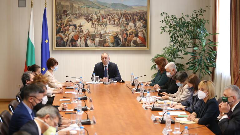 Президентът Румен Радев обясни пред новия състав на ЦИК какви