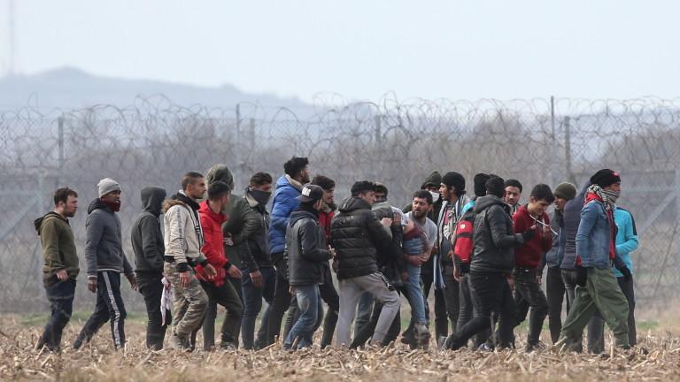 Приеха нов план при извънредна мигрантска вълна от Гърция