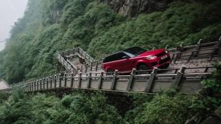 Range Rover Sport PHEV изскачи 999 стъпала в Китай