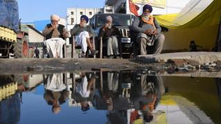 Най-малко 22 жертви на протестите на фермерите в Индия