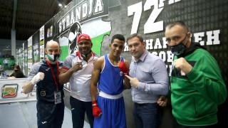 Хавиер Ибаниес елиминира световния шампион