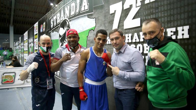Хавиер Ибаниес победи действащия световен шампион в категория до 57