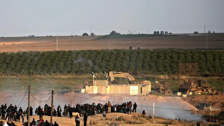 Нови сблъсъци между палестинци и Израел на границата с Газа