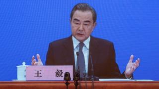 Китай хвали шефа на СЗО и съветва САЩ да спре политическия си вирус