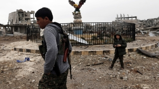 Турската армия откри огън по протестиращи в сирийския град Кобани