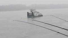 Почти невъзможно да се разбере източникът на петното в Дунав