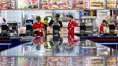 Пенсионерите изместиха тинейджърите за работа в McDonald's