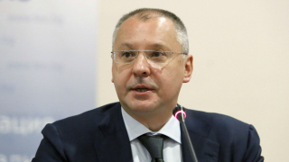Станишев недоволен от БСП, ВМРО и президента Радев