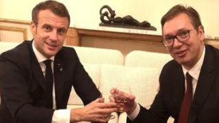 """Вучич и Макрон обсъждат бъдещето на Балканите на бутилка """"Арманяк"""" от 1914 година"""