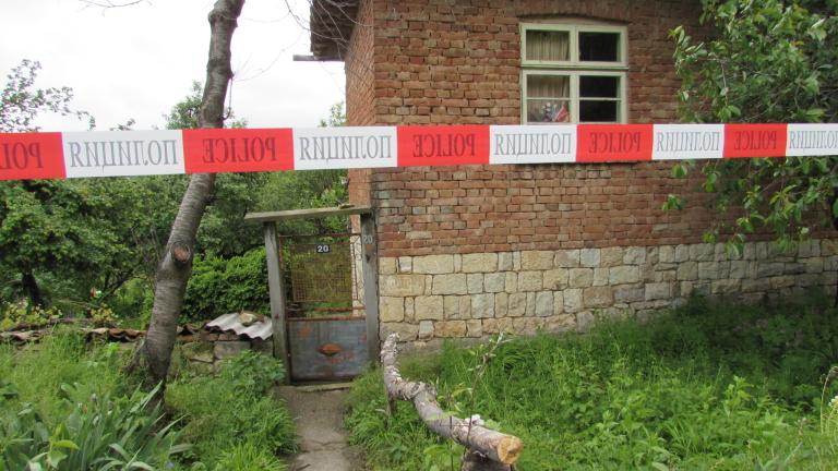 Разследват убийство след пиянски запой във Варненско
