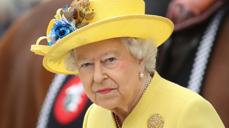 Хари и Меган объркаха кралицата