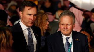 Финансовият министър на Канада подаде оставка