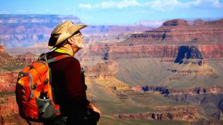 Тези приложения ще ви помогнат да спечелите пари за околосветско пътешествие