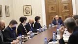 Караянчева обвини Радев, че участвал във внушенията за купуване на избори