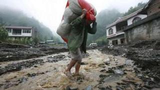 Китай се готви за още наводнения