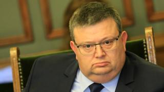 Цацаров: Ако Пеевски ми е давал по 100 000 евро, те не са достигали до мен