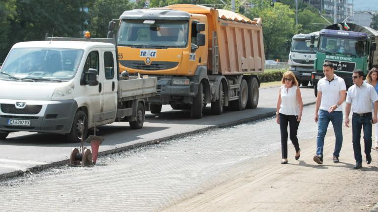 """Пускат ремонтирания участък на бул.""""България"""" в събота"""