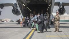 """Объркване заради """"отвличане"""" на самолет на Украйна в Кабул"""