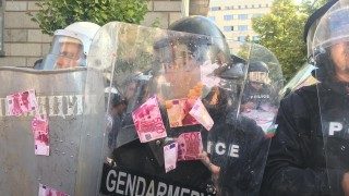 20 пострадали полицаи в протеста