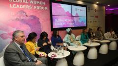 Връщането на работа да не спира майчинството, искат бизнесдами