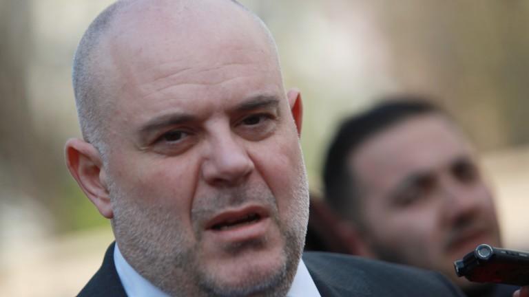 Държавен вестник обнародва указа за назначаването на Иван Гешев