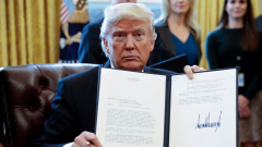 Тръмп възобнови спорни енергийни проекти