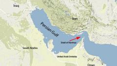 Разрушител на САЩ стреля предупредително към ирански катери