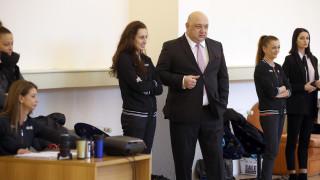 """Министър Кралев инспектира  реновираната зала """"Раковски"""""""