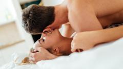 Изчислиха колко секс месечно правят щастливите двойки