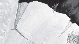 Защо огромен айсберг се отчупи от Антарктида