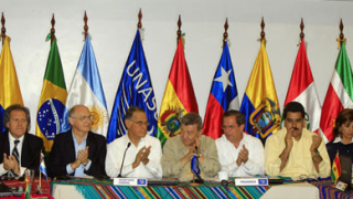 Натискат Еквадор и Великобритания да се разберат за Асанж