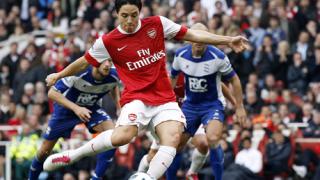 Арсенал предлага нов договор на Насри