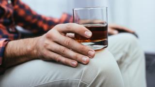 Може ли алкохолът да убие коронавируса