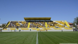 Ботев чака лиценз за стадиона в Коматево