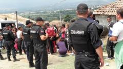 Не било задължително да се спира събарянето на незаконните къщи в Гърмен