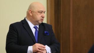 Министър Кралев с поздравителен адрес до световния вицешампион по биатлон Владимир Илиев