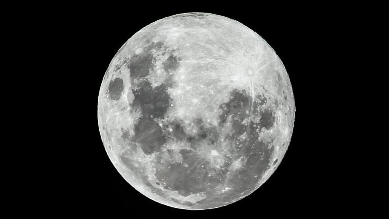 Европейски учени обявиха, че добивът на полезни изкопаеми от Луната