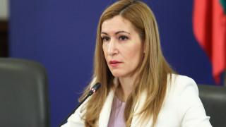 Ангелкова предложи Гаранционен фонд на искащите оставката й