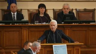 Сидеров предлага НС да задължи Борисов да защити Орбан
