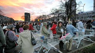 Хипермаркетите обявиха ценова война