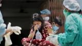 Индия не спира да чупи черни COVID рекорди, болниците се молят за кислород