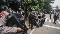 """Индонезийската полиция простреля мъж с мачете и символ на """"Ислямска държава"""""""