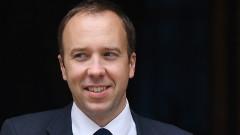 Здравният министър напусна битката за премиер на Великобритания